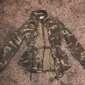 Women's camouflage jacket